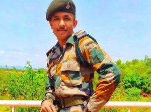 Jalgaon Martyr Soldier Yash Deshmukh's Final Rites Peformed, Whatsapp Chat Had Gone Viral