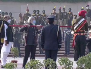 PM Narendra Modi Lights Swarnim Vijay Mashal At National War Memorial